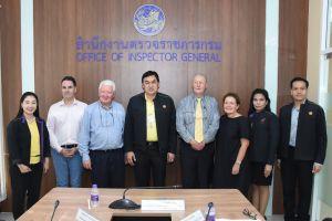 คณะผู้แทนของ Transport Accident Commission (TAC) จากประเทศออสเตรเลีย นำโดย Mr. Eric Howard และ Robert Klein เข้าพบและร่วมศึกษาข้อมูลการดำเนินโครงการของกองทุนเพื่อความปลอดภัยในการใช้รถใช้ถนน การจดทะเบียนยานพาหนะ และการรับรองแบบรถยนต์ ( type approval)