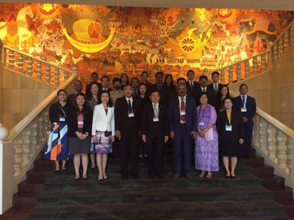 นายพีระพล ถาวรสุภเจริญ อธิบดีกรมการขนส่งทางบก ในฐานะหัวหน้าคณะผู้แทนไทย ร่วมกับผู้แทนประเทศอินเดีย เมียนมา และธนาคารพัฒนาเอเชียได้เข้าร่วมการประชุม India-Myanmar-Thailand Framework Agreement on Transit, Transshipment and Movement of Vehicular Traffic